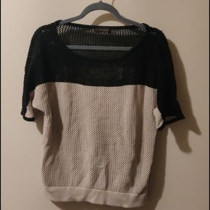 Limited sweater size M